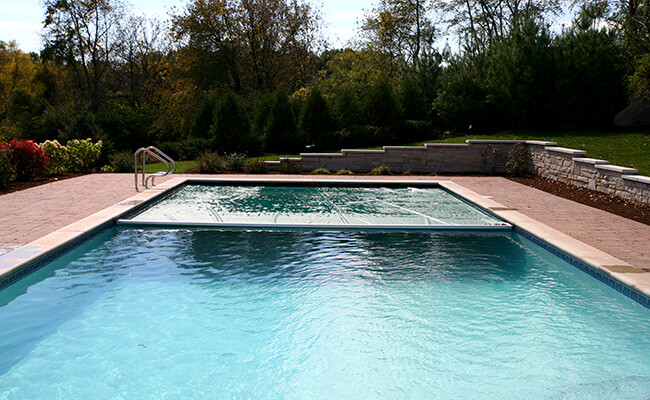 Automatic Pool Cover Installer Chicago