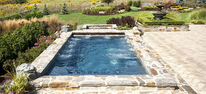 Large Hot Tubs in Chicago